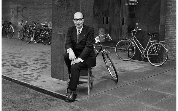 Philip Larkin - Photo: Jane Bown/Topfoto