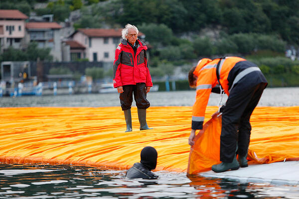 Christo and Jeanne-Claude, Floating Pier