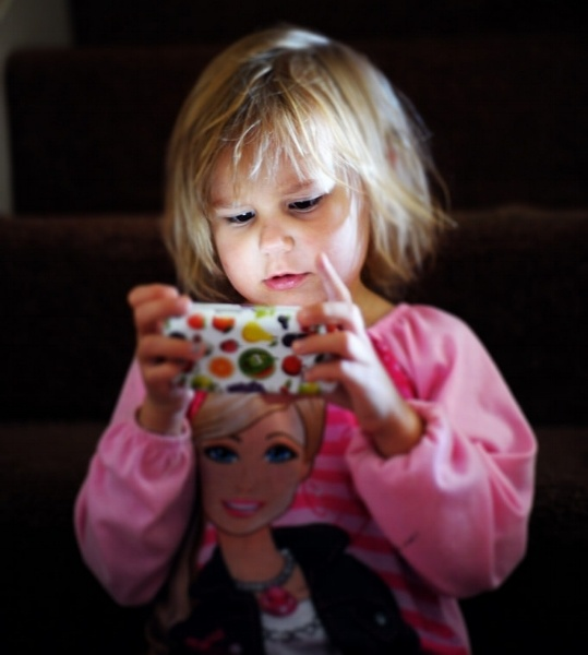 Preschool screen time affects language development
