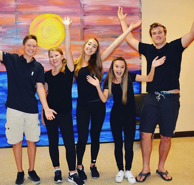 Shorecrest students volunteer service
